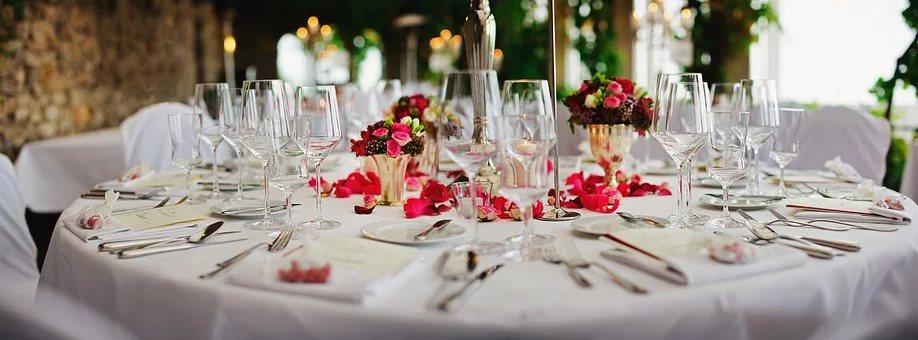 Bij ons trouwen in de tuin, het kan! Wat zo leuk is dat er meer dan 30 gasten aanwezig mogen zijn dan. Maar we kunnen nog veel meer regelen voor… Bekijken