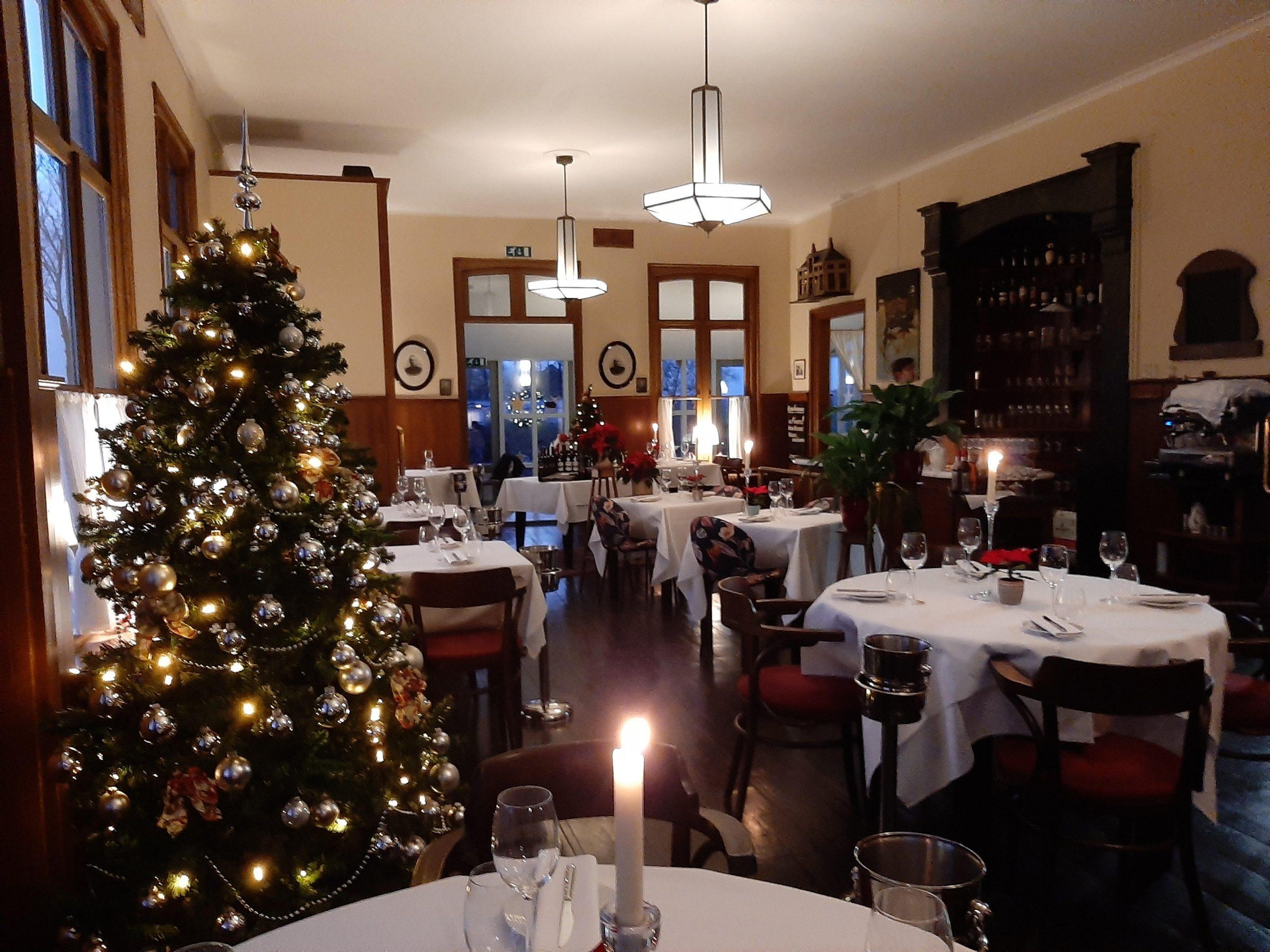 Met kerstmis genieten van een heerlijk diner in Lokaal op Hatsum. Ter voorbereiding hebben we ons restaurant in kerstsfeer gehuld. Wij zien U en Uw gasten dan ook graag. Tijdens… Bekijken