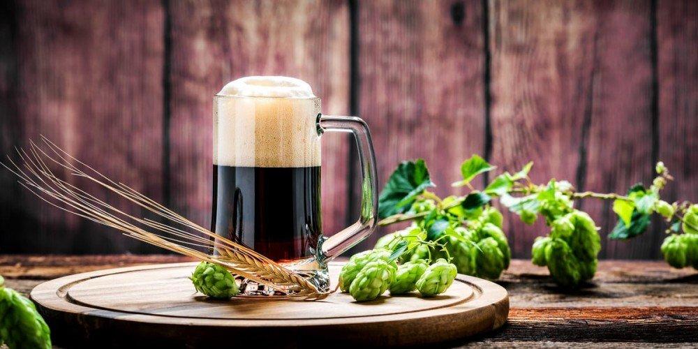 Buiten waait de wind om het huis of heerlijk in het najaarszonnetje genieten op het terras van Uw eerste glas Bock Bier!  Tijdens de Bock-bier avond kookt onze chef een heerlijk… Bekijken